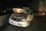 Hoảng hồn taxi nổ bánh, xe quay ngược 180 độ