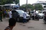 Tài xế bị giết chết trong xe giữa Hà Nội: Đâm thuê, chém mướn