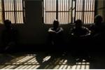 Chết trong trại giam vì bị bạn tù siết cổ trả thù