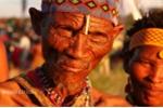 Bộ tộc 2 vạn năm tuổi đối diện nguy cơ bị đồng hóa