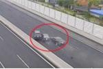 Kinh hoàng clip 3 ôtô 'dồn toa' tan nát trên cao tốc Hà Nội - Hải Phòng