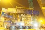 'Thần tốc' cẩu 3 toa tàu Cát Linh – Hà Đông lên ray