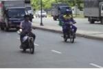 Xe cũ nát tung hoành trên phố Sài Gòn