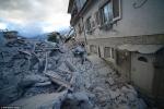 Khung cảnh tan hoang sau trận động đất làm cả thị trấn biến mất ở Italia