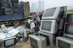 Bên trong 'nghĩa địa' tivi, tủ lạnh, đồ gia dụng bị thải loại chất như núi