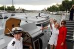 Đệ nhất phu nhân Pháp và Mỹ thân thiết trên du thuyền sông Seine