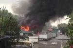 Xe bồn chở xăng bốc cháy lan sang cây xăng gần chợ Đền Lừ
