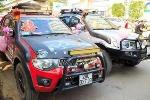 Dàn 'siêu xe' bán tải rầm rộ rước dâu tại Hà Nội