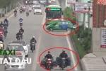 Video: Thót tim những pha tạt đầu, lấn làn trên đường dành cho buýt nhanh