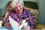 Cụ bà người Anh chia sẻ bí quyết để 113 tuổi vẫn như 70 tuổi