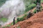 'Vàng tặc' phá lán trại công binh, phản đối nổ mìn phá hầm