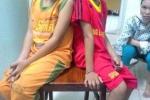 Vụ 2 trẻ ném đá xe khách: Gia đình nghèo phải bồi thường 3 triệu đồng