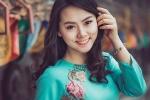 Cô gái 9X xinh đẹp rạng ngời trong tà áo dài xanh