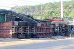 Xe container gây tai nạn liên hoàn trên đường Hồ Chí Minh, 5 người thương vong