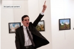Bức ảnh đại sứ Nga bị ám sát đoạt giải World Press Photo 2017