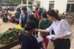 Hoa hậu Đặng Thu Thảo âm thầm về vùng lũ trao quà cho bà con