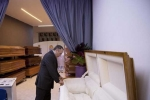 Bùng nổ dịch vụ tang lễ theo phong cách... chống khủng hoảng