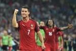 Ronaldo sút hụt bóng, lỡ cơ hội ghi bàn khó tin
