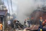 2 căn nhà cháy rụi sau tiếng nổ lớn trưa mồng 5 Tết