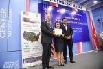 Đại sứ Mỹ Ted Osius trao thưởng cho hàng loạt dự án khởi nghiệp của thanh niên Việt