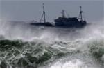Bão số 6 giật cấp 9 chính thức đổ bộ vào Biển Đông