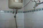 Bé gái 9 tuổi bị điện giật chết trong nhà tắm