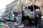 Cháy xe chở hàng, dân 'hôi của', tài xế bật khóc: Nếu đủ bằng chứng có thể khởi tố hình sự