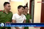 Clip: Bắt 'quái xế' vượt đèn đỏ, tông CSGT Hà Nội