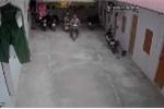 'Siêu trộm' đột nhập xóm trọ, 2 xe máy 'bốc hơi' trong nháy mắt
