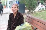 Video: Bà lão nhặt rác bắt 'tăm tặc' bị dọa đánh, quăng xuống hồ Gươm