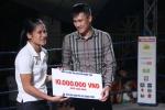 Lê Công Vinh lần đầu xem thi đấu Muay Thai