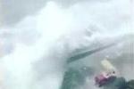 Nước lũ cuồn cuộn như sóng thần tấn công Hàn Quốc