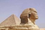 Phá bỏ kim tự tháp 2.000 năm tuổi lấy đá làm đường
