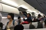Hành khách đói lả vì máy bay vòng vèo hơn 2 tiếng trên trời