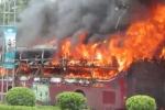 Video: Xe giường nằm bốc cháy dữ dội sau khi trả khách