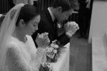 Ảnh hiếm hoi của Kim Tae Hee - Bi Rain trong lễ cưới