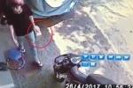 Hinh anh Video: Loi dung cu ba gia yeu, ke trom ngang nhien vao nha lay di hop dung tien