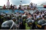Cảnh sát dùng hơi cay trấn áp hàng trăm học viên đập phá trại cai nghiện