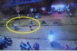 Nam thanh niên chạy xe tốc độ cao tông văng cô gái đi qua đường