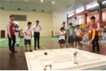 Xem học sinh tiểu học tranh tài Robot