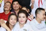 Á hậu Huyền My hồn nhiên khi đi từ thiện cùng Quang Tèo, Giang Còi
