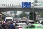 Có 2 cầu vượt hiện đại, vì sao cửa ngõ sân bay Tân Sơn Nhất vẫn tắc kinh hoàng?