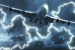 Đụng độ mưa bão ở trên trời, máy bay có bị sấm sét hạ gục?