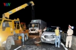 Tai nạn liên hoàn trên quốc lộ, 3 xe ô tô nát bươm