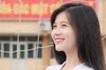 'Hoa khôi sân cỏ C500' xinh đẹp mê ca hát, giỏi 2 ngoại ngữ