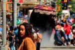 Video: Khoảnh khắc kinh hãi xe điên lao vào đám đông ở Quảng trường Thời đại