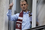Tin chuyển nhượng sáng 31/8:Joe Hart chính thức tới Torino, Arsenal mua Mustafi với giá khủng