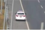 Tước giấy phép lái xe taxi đi ngược chiều, lao như bay trên cao tốc Hà Nội – Hải Phòng