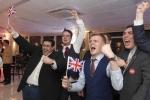 Nước Anh chao đảo hậu Brexit, quá nửa dân số vẫn reo hò mừng chiến thắng
