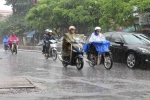 Thời tiết hôm nay: Cả nước mưa dông, Biển Đông gió giật, sóng cao 3m
